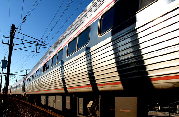 A bipartisan bill would allow new private investment in Amtrak from real estate developers and others.