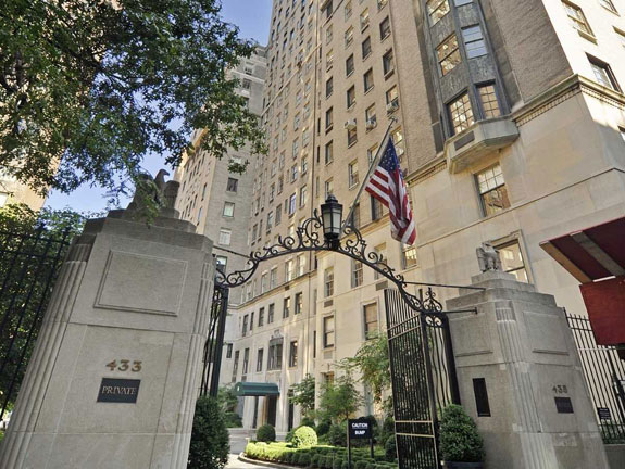 behold-the-gates-of-the-river-house-one-of-manhattans-most-exclusive-co-op-buildings