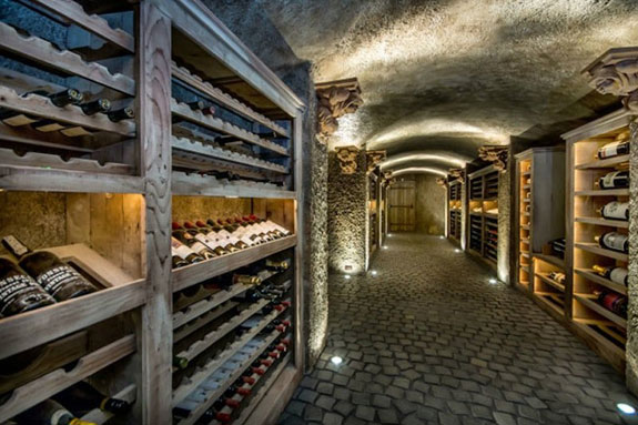 this-cave-like-wine-cellar-is-great-for-serious-collectors