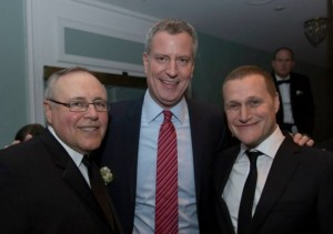From left: Steven Spinola poses with Mayor Bill de Blasio and Rob Speyer at the 2015 REBNY gala
