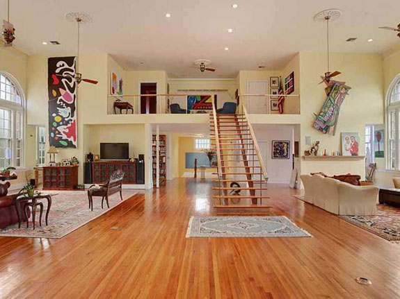 the-colors-used-throughout-the-home-lend-it-a-bright-and-open-feel