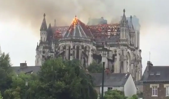 A fire broke out at the Saint-Donatien Basilica in Nantes, France