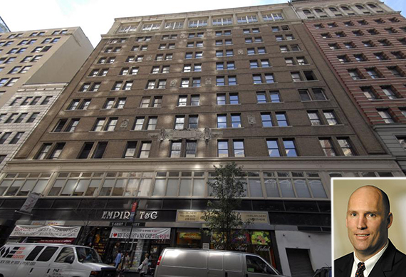 19-28 West 33rd Street in Midtown (inset: Rob Stuckey)