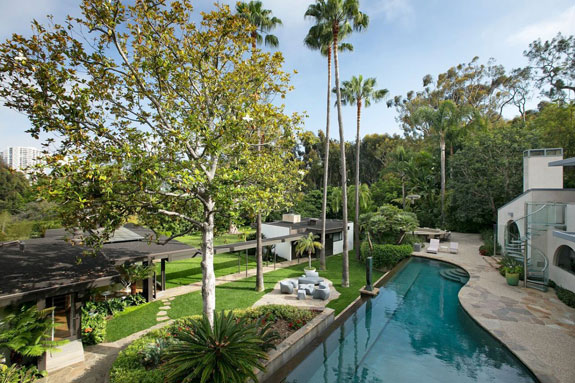 over-the-years-simon-engaged-master-architects-and-restoration-artists-to-preserve-neutras-design-today-the-estate-is-set-on-magnificent-private-grounds-that-offer-full-privacy-for-its-residents