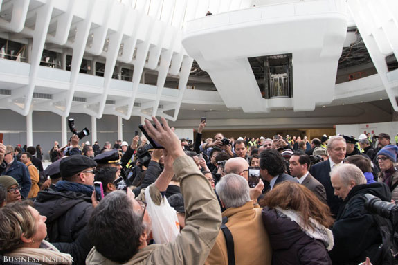 people-swarmed-around-the-world-renowned-architect