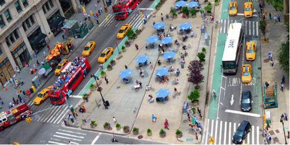 A public plaza at the Flatiron building