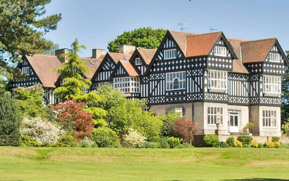 a-12-bedroom-150-year-old-pile-in-east-yorkshire-with-a-butlers-pantry-for-895000-1416-million