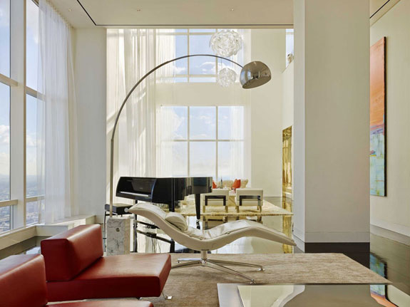 and-thanks-to-floor-to-ceiling-windows-the-penthouse-feels-airy