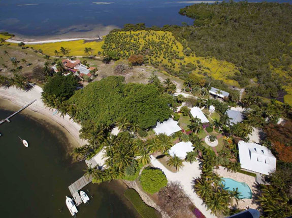 an-entire-mass-of-land-in-south-florida-called-little-bokeelia-island-is-up-for-sale
